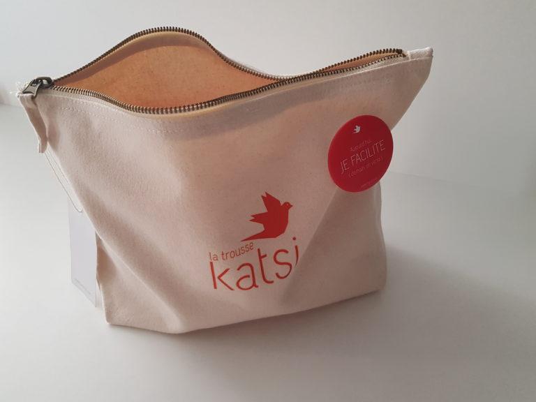La trousse Katsi en coton bio pour tous les facilitateurs qui cherchent un kit de démarrage ou d'approfondissement de certaines approches du collaboratif